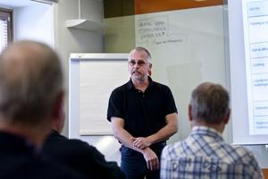 Fler bode ta chansen att bli kontrollansvariga, tycker byggnadsinspektör Matti Lappi.
