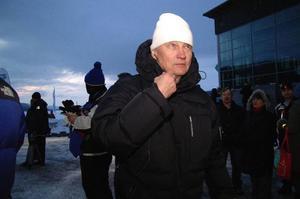 Pocke Nilsson, en jättenöjd istravsgeneral, konstaterade att publiken var större än vanligt, cirka 2500 personer kom.