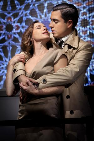 Shakespeare in Love: Kirsti Torhaug (Desdemona) och Francisco Sobrado (Othello).