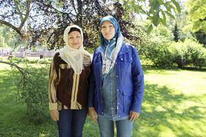 Fatima Rajba och Rahima Gharibzada från Afghanistan inväntar den muslimska fastemånaden ramadan som inleds på lördag.