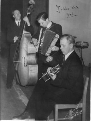 "Juttes trio kunde säkert ""La paloma""."