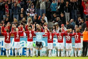 Degerfors tackar publiken efter segern mot Brage.