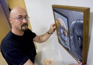"Den målande maskören. Per Åleskog och clownen i ""Spegeln""."