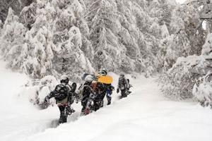 För tillfället är det sådant oväder i Saas-Fee att inga helikoptrar kan komma fram. När Ingrid Roth kan åka hem är högst osäkert.Foto: AP/Ulrika Andersson