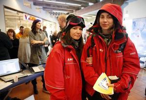 Marianne Eskelinen, 29 år från Luleå och Tove Ryman Jonasson, Offerdal, vill ha nytt jobb inför sommaren och besökte jobbmässan i Åre.