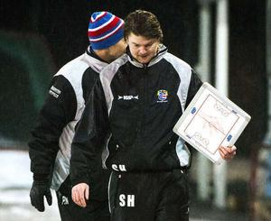 Selånger Bandys tränare Simon Hansson.