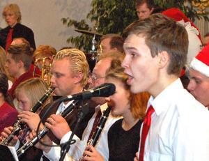 Carl Hannerz imponerade som sångsolist i