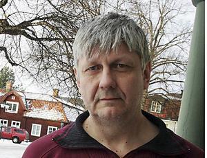 Nej, att driva asylboende i kommunal regi är inte kommunalrådet Ulf Hansson intresserad av.