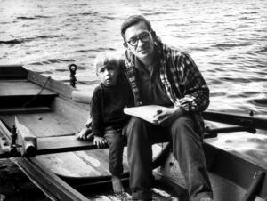 Lars Gustafsson med sonen Joen 1965.