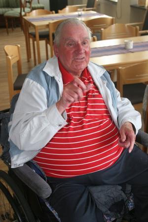 Kalle Frenell i Gnarp är en social natur. Gillar att träffa folk och han trivdes väl under miniutflykten till Harmånger kyrka och S.t Pers sal.