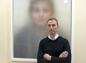 Pavel Matveyev är konstnär och bosatt i Karlholmsbruk, Uppland. En ort som har mycket gemensamt med Bergby, menar han.