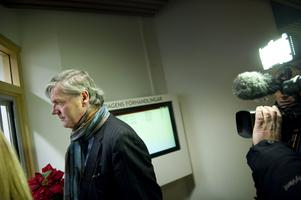 Saabs vd Victor Müller begärde på måndagsmorgonen Saab i konkurs.