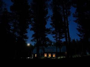 September: Konsert på bygdegården. Kälom.
