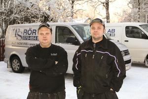 Vvs - företagaren Tyrone Segerstedt från Årskogen  t.v tillsammans med sin utposterade man i Bergsjö,Tobias Eriksson.