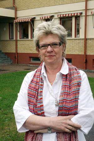 Kommunchef Kerstin Oremark säger att det ännu så länge är ett diskussionsutkast. Och att man kommer att förhöra sig mer om upplägget på Sundsvallsskolan.