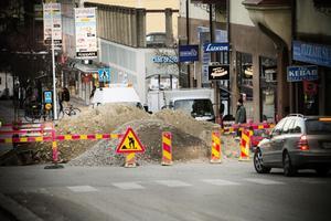 En gammal vattenledning under Storgatan ska bytas ut.