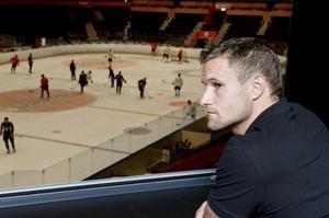 Markus Näslund har letat efter nya spelare, men det finns inget på marknaden som passar in i Modos lagbygge.