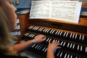 Ann-Kristin Färnström fortsätter ge sina omtyckta konserter med grandios orgelmusik.