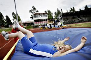Ja! Johanna Edvall klarar 90 centimeter i höjd.