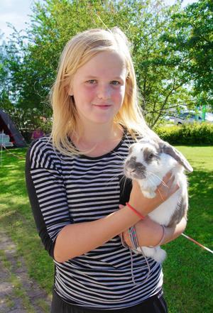 Madicken Sunnecrantz och Pluto har vunnit 11 kanintävlingar tillsammans och i morgon är det dags för tävling igen i Friggesund.