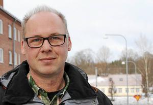 Riksdagsledamoten Patrik Engström (S) från Avesta vill att regeringen agerar för ett apotek i Särna. Fotograf: Eva Högkvist