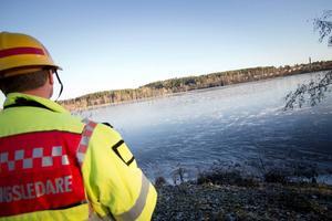 Nyisen är fortfarande rätt tunn, och räddningstjänsten uppmanar till försiktighet på Hälsinglands vatten.