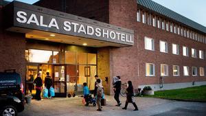 Flyktingar anländer till Sala stadshotell  i oktober 2016. Fotograf: Camilla Bengtsson