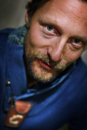 Härjedalens kommuns kulturstipendium går till konstnären Niklas Blindh i Funäsdalen.