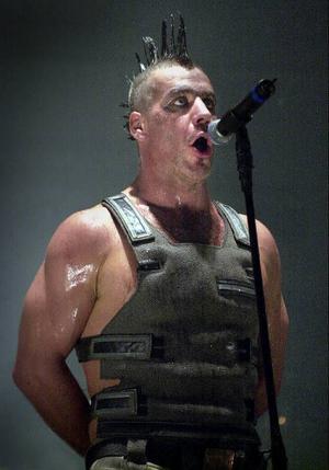 Till Lindemann och hans Rammstein spelar på Metaltown.Foto: Claudio Brescian/Scanpix