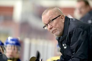 Leif Boork leder Damkronorna. Nu vill han se att laget närmat sig de bästa nationerna under landslagsturneringen i Sundsvall.
