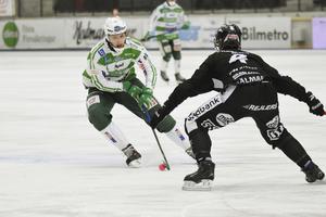 Simon Jansson under fjolårssäsongen mot Sandviken.