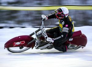 Ola Westlund under en tävling för SMK Gävle.