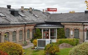 Nu står klumpen på ett mer undanskymt ställe. Foto: Lennart Götesson