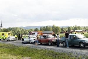 Seriekrock. Fyra bilar var i går eftermiddag inblandade i en seriekrock utanför Coop Forum. Foto:Stina Rapp