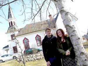 Anders och Erika ville bo med stora ytor. De fick de i kyrkan.
