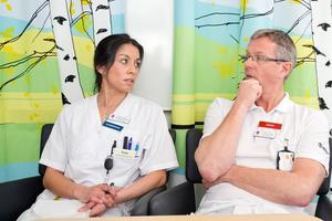 Tove Lundin, barnsjuksköterska, och Peter Jotorp, verksamhetschef på barnkliniken.