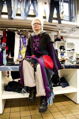 – Det viktigaste är att saker och kläder inte slängs, det är sådan förbrukningshysteri i världen, säger Solveig Sefastsson.