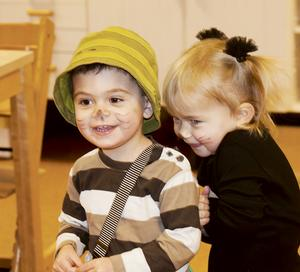 En mini findus, Miro och en Elin, en liten misse. Bild: Lena Larsson.