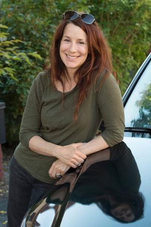 För succéregissören bakom Simon och ekarna, Lisa Ohlin, skänker bilen självständighet.