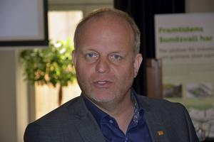 Enligt Nicklas Nyberg skulle skyskrapan berika Sundsvall på många sätt. Målet är att den ska vara på plats år 2021.