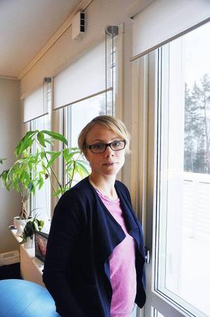 Emma Hagqvist har förlorat två döttrar i en ärftlig muskelsjukdom.Nu vill Emma och maken Gunnar bli föräldrar igen, men landstinget säger nej till den metod som skulle kunna ge dem ett friskt barn.