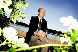Flyttar till Japan. Ulf Melin lämnar vd-posten vid Erasteel i Söderfors efterbara 1,5 år. Nu letar man ny vd.
