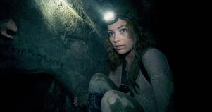 Grottor, grottor, grottor. perdita Weeks letar och letar, men någon skräckfilm hittar hon inte i