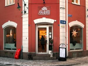 Tant Anci och fröken Sara är ett av alla fik i Sundsvall.