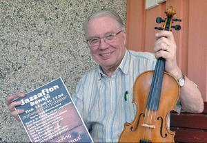 Ove Magnusson, Bensjö spelar både på spelmansstämma och jazzkonsert i Bensjö i juli.Foto: Ingvar Ericsson