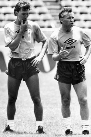 Bryan Robson (till vänster) under VM 1986.
