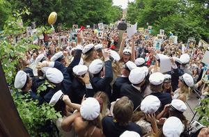 EK14, ekonomerna, var den klart sånggladaste klassen på Kristinegymnasiet. De värmde upp med dängan
