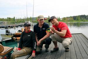 Fiskeguiden Andreas Eng tillsammans med Carmen och Dietmar Isaiasch.