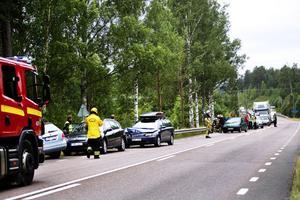 En trafikolycka med flera inblandade bilar mitt under semestertider.