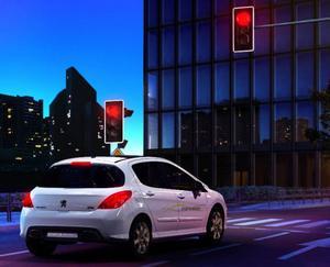 Allt fler biltillverkare erbjuder stopp-start-teknik. Näst på tur är Peugeot. Foto: Peugeot